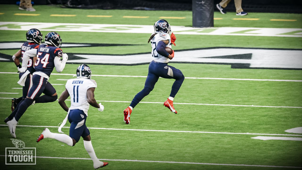 Derrick Henry rushes for 250 yards against Houston on January 3, 2021